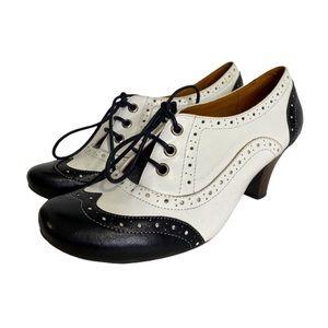 ALDO Brogue Oxford Heel Wingtip BlackWhite Leather